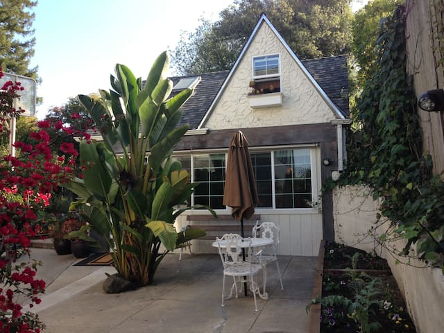 Bay View Cottage in Berkeley Hills - Berkeley - Alpstuga