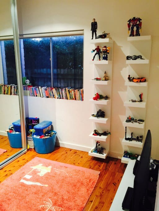 Kids Room - Toys, Books and xbox