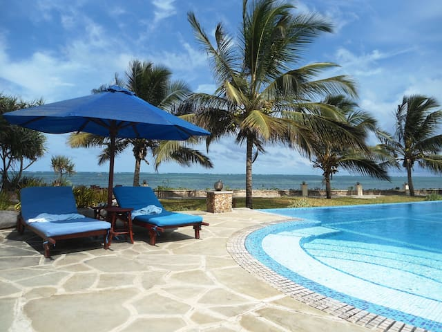 Top Beach-Bungalow., 2Pers, Breakfast, Pool. - Mombasa - Bangalô