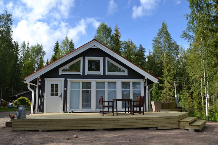 A cozy cottage by the river - Rovaniemi - Cabaña