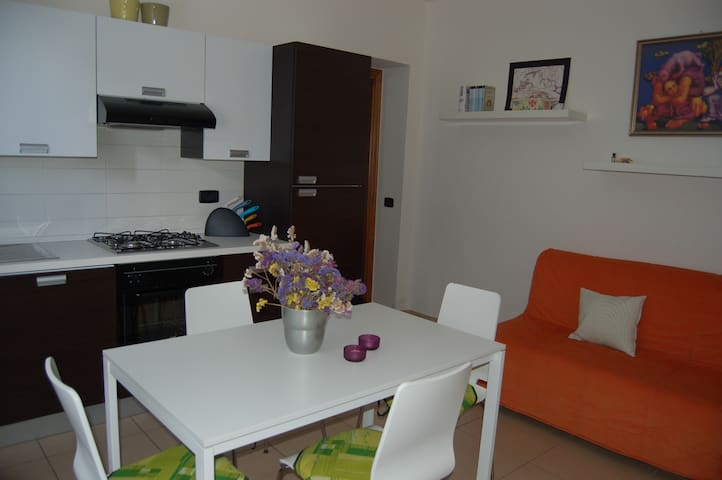 Modern flat with wi-fi, parking, garden and BBQ