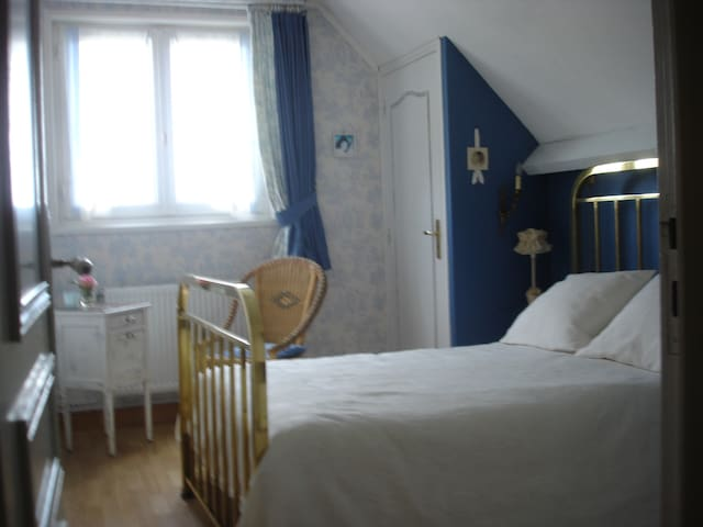 chambre agréable et confortable - Gouy-Sous-Bellonne - Talo