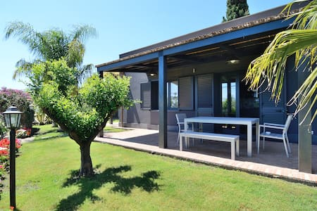 Avocado Bed & Breakfast dlx double - Giardini Naxos - Bed & Breakfast