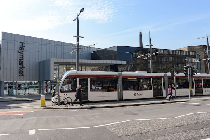 Haymarket Station, less than 10 minutes walk from the property for catching all the buses and taxis to explore the city, jump on the train or for heading to the Airport (Airlink 100 Bus is a 24/7 service)