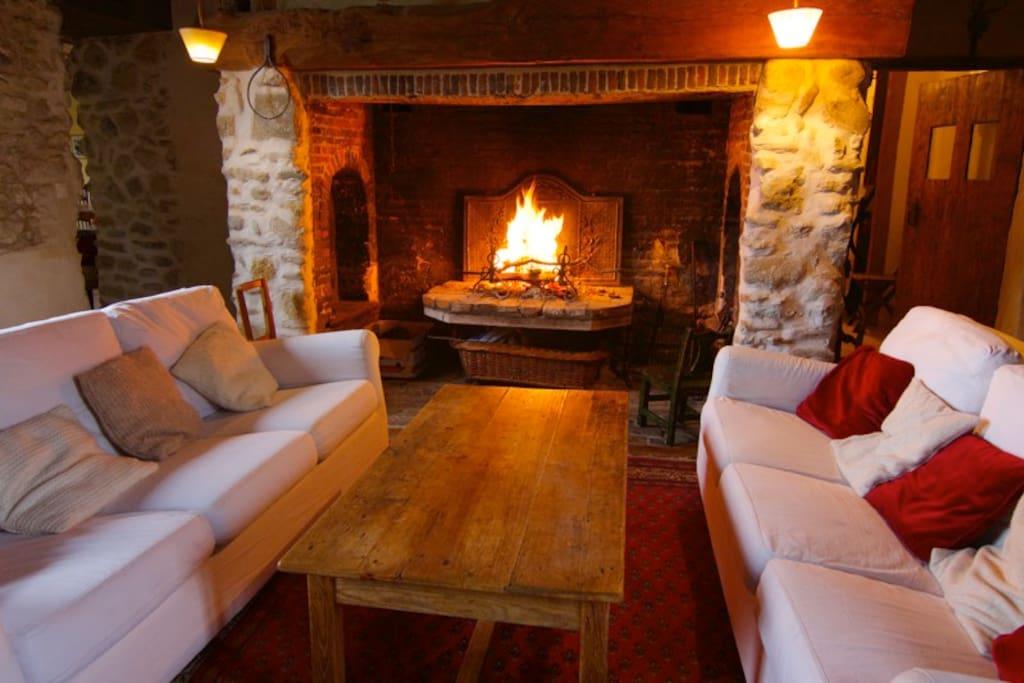 Un grand feu vous accueille l'hiver !
