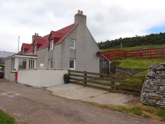 The Red House, Strathy East,