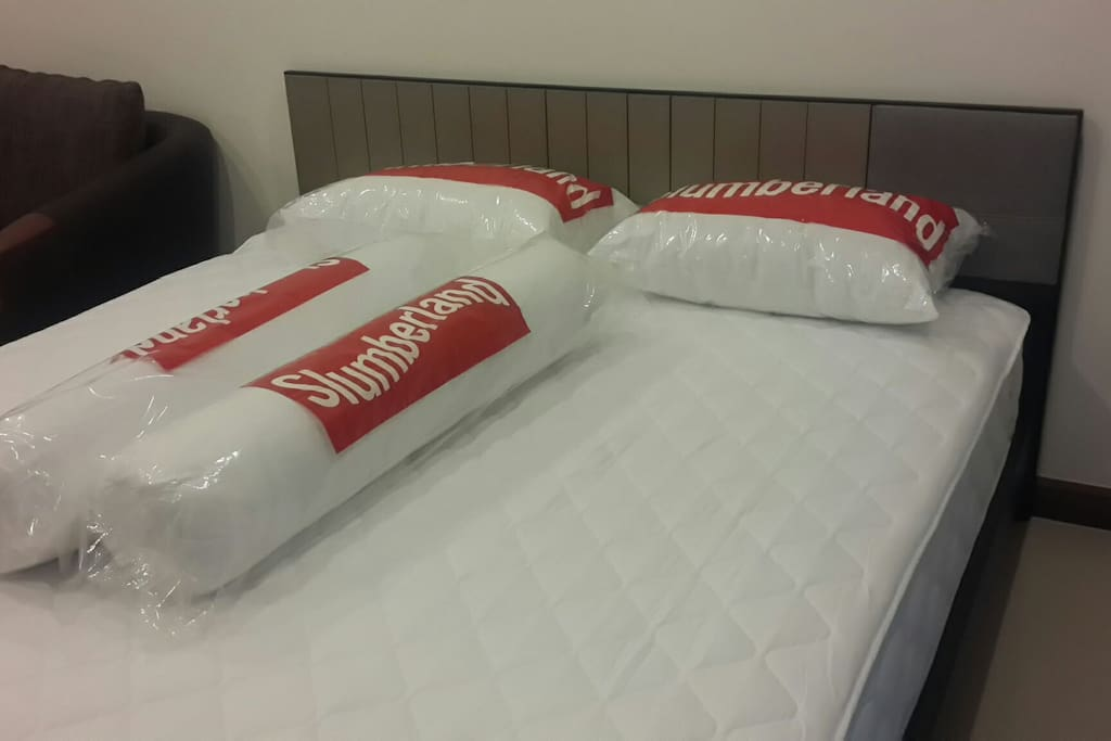 Slumberland king size mattress and pillows. I will prepare bed linen before u check in