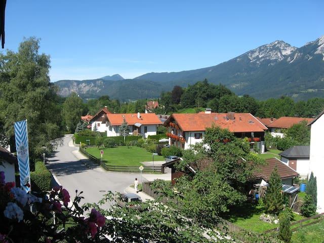2 Zimmerwohnung 60 m² mit Bergblick und Parkplatz