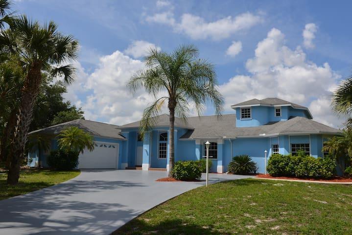 Villa Blue Oasis in sunny Florida - Lehigh Acres - Villa