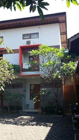Giri loft renon denpasar bali - denpasar  - Appartement