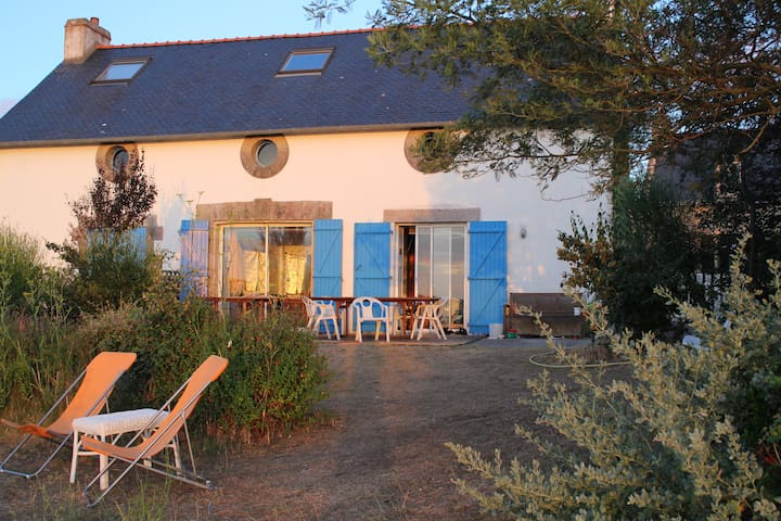 House on the sea side on an island! - Île-d'Arz