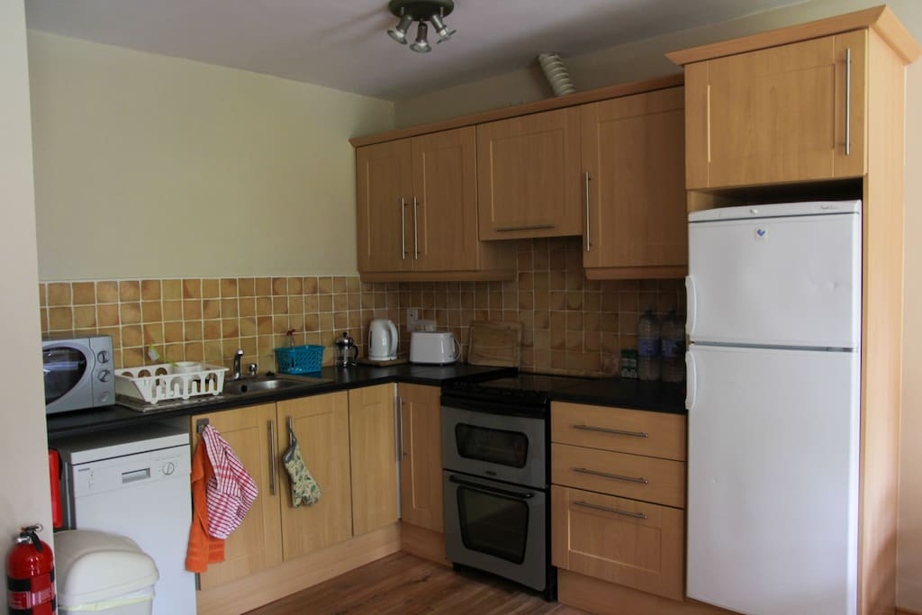 Fully equipped kitchen, hob/oven, fridgefreezer, dishwasher etc