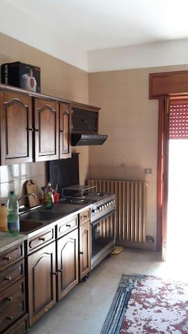 Spaziosa casa  al pianoterra terra - Neviano - House