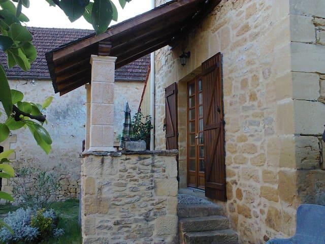 """gîte de charme en pierre """"la ruche"""" - Calviac-en-Périgord - Dům"""