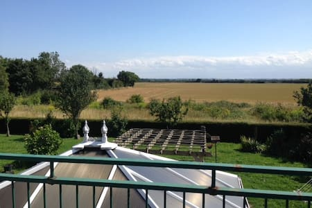 Beautiful country home- Double Bedroom En-Suite - Fen Ditton - Bed & Breakfast