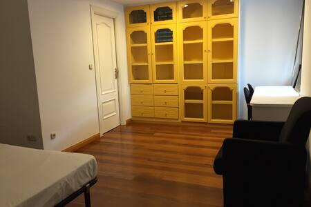 Habitación doble en dúplex. 5 - Cuenca - House