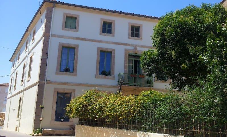 10minNARBONNE, Maison de maître 13P - Moussan - House