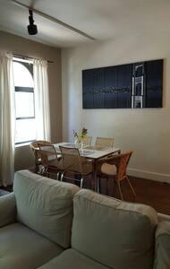 Beautiful room in modern brownstone - Washington - Townhouse