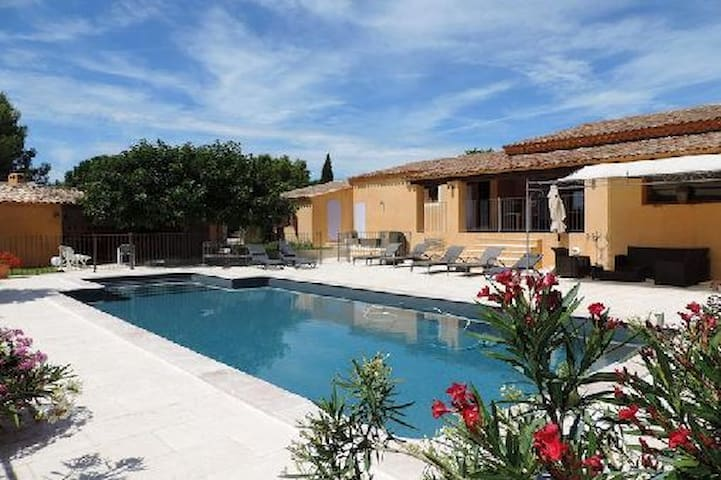 Superbe villa au coeur du Luberon - La Tour-d'Aigues - Dom