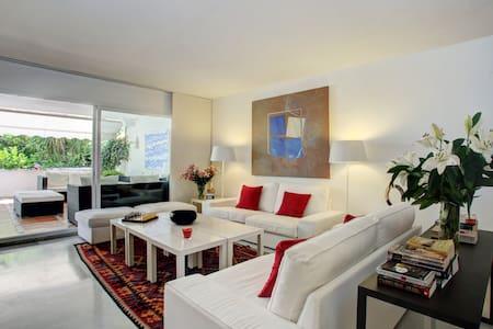 Flat moderne - magnifique terrasse