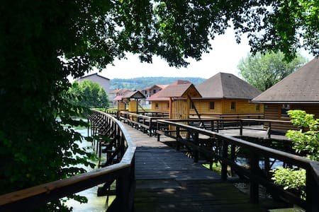 watermill & dwelling pile house10/1 - Bosanska Krupa - Casa de campo