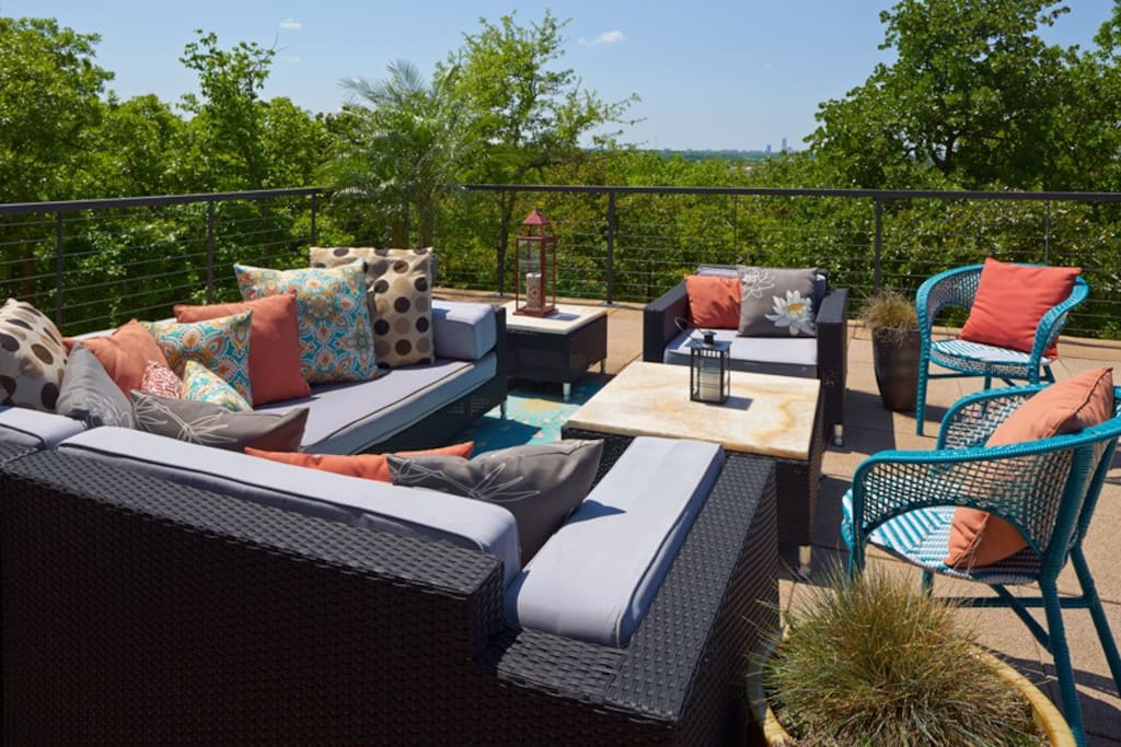 Upstairs, outdoor deck Lounge - great views, sunsets and a relaxing setting