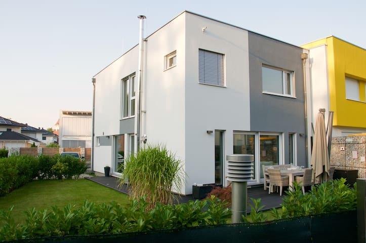 Haus Nähe Wien/Thermenregion - Ebreichsdorf - Rumah