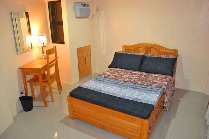 FullyAC 3BR HOUSE for 8pax near Airport/SM+WIFI