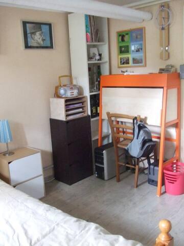 chambre de plain pied dans maison - Montigny-lès-Metz