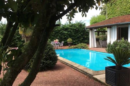 Chambres d'hôtes en charolais - Baron, Saône-et-Loire - Bed & Breakfast
