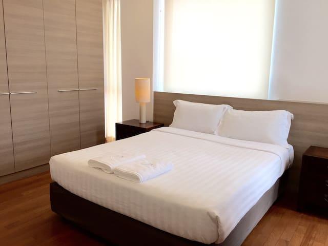 2 Bedroom Apartment near the City