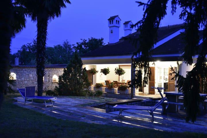 Villa Gulnara - Umag - Hus