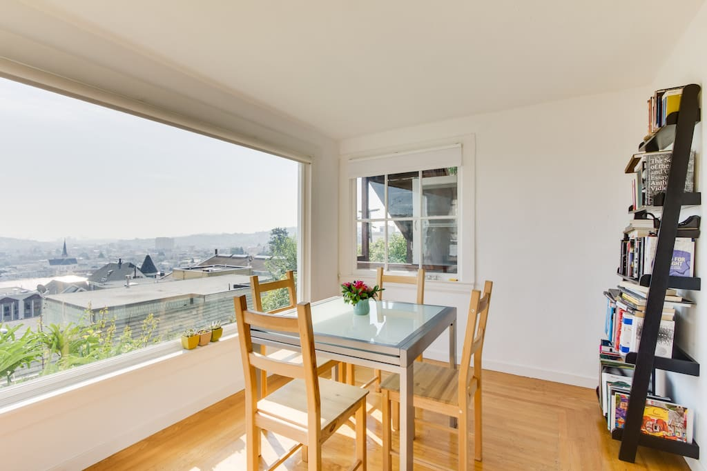 The breakfast/dining nook and views of the city