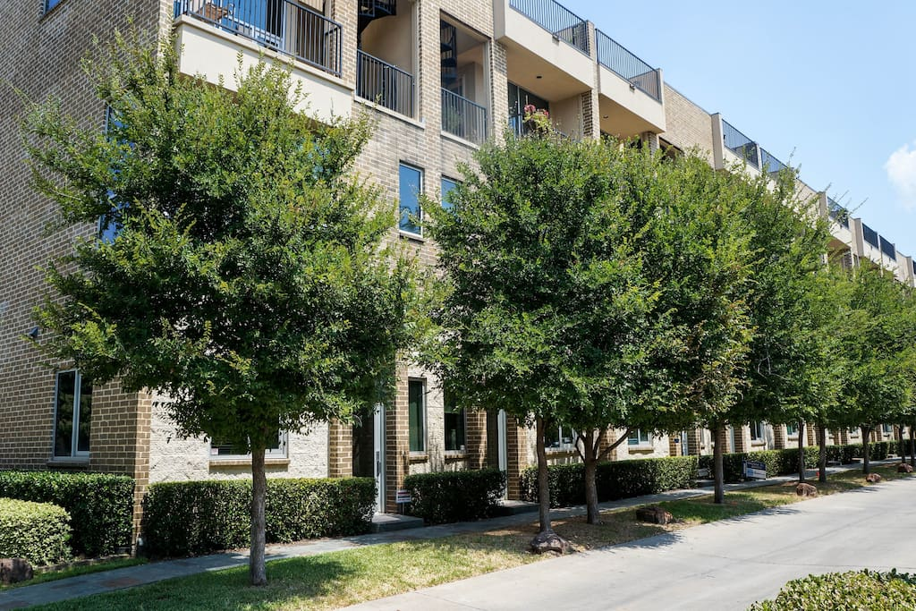 Beautiful Townhome W Downtown View Townhouses For Rent In Dallas Texas United States