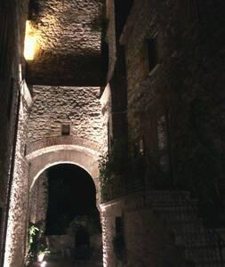 cielo-terra Castello Mantignana - Château