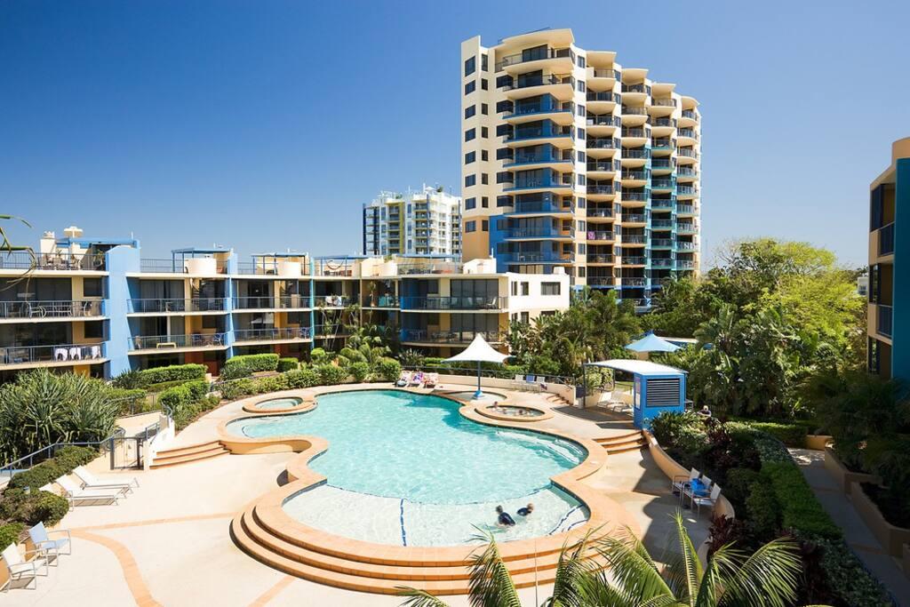 Pentouse 3 camere vista di mare spa appartamenti in for Piani casa 3 camere da letto e garage doppio
