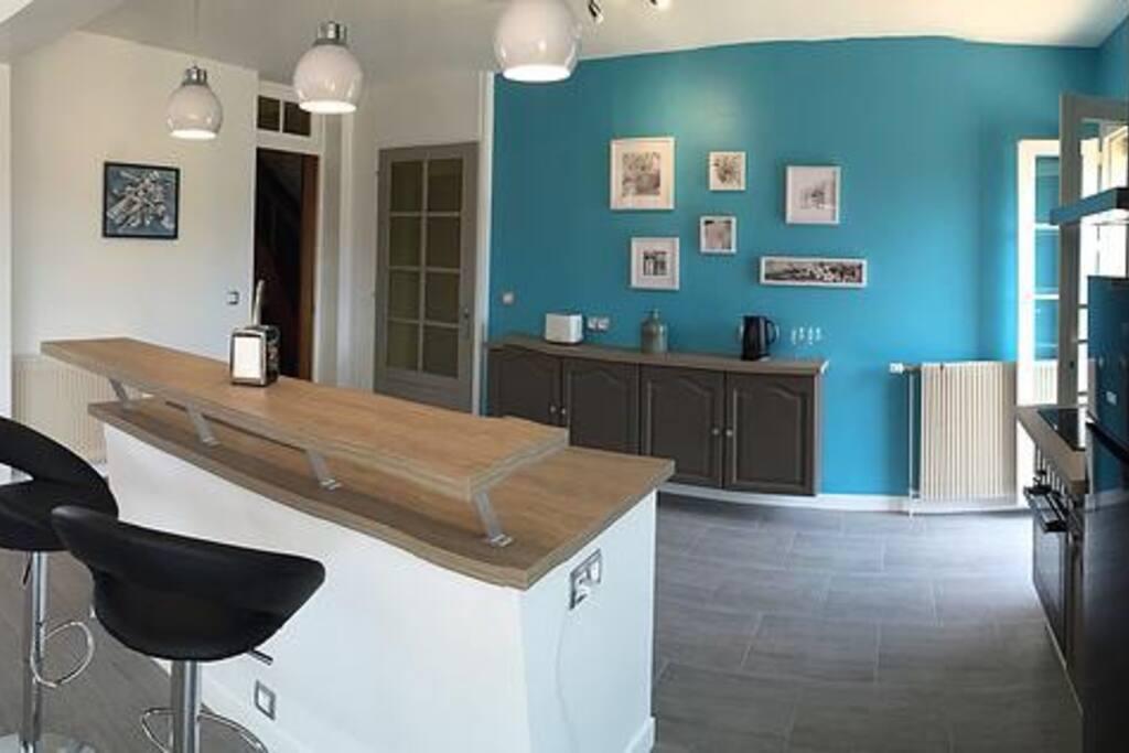 belle maison piscine jardin beaune maisons louer beaune burgundy france. Black Bedroom Furniture Sets. Home Design Ideas