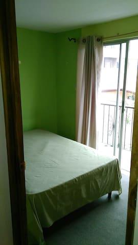 cuarto con cama 1 matrimonial