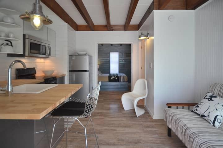 One Bedroom Apt in Cherry Grove