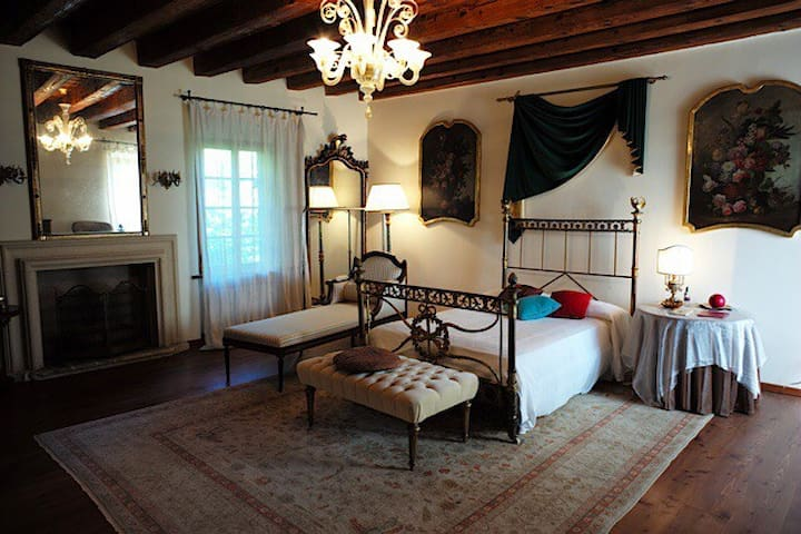 Double room in countryside Villa - Olfino - Villa