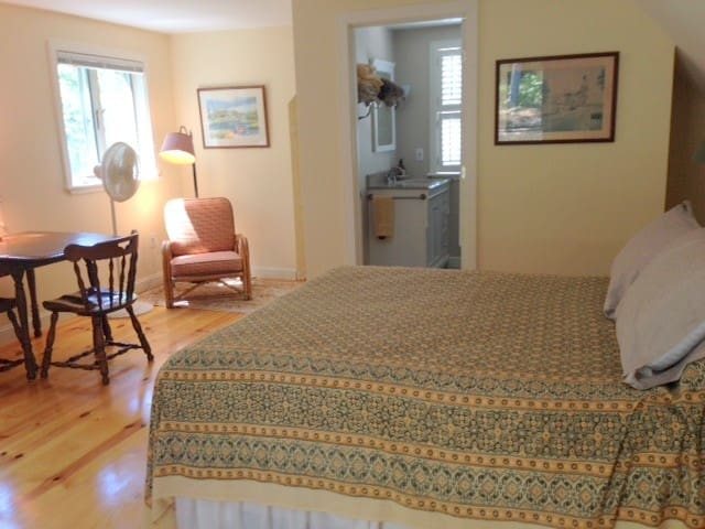 Charming, cozy, private, studio - Wellfleet - Apartamento