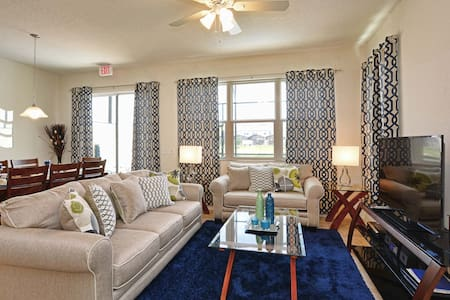 Room type: Entire home/apt Property type: House Accommodates: 11 Bedrooms: 4 Bathrooms: 3.5