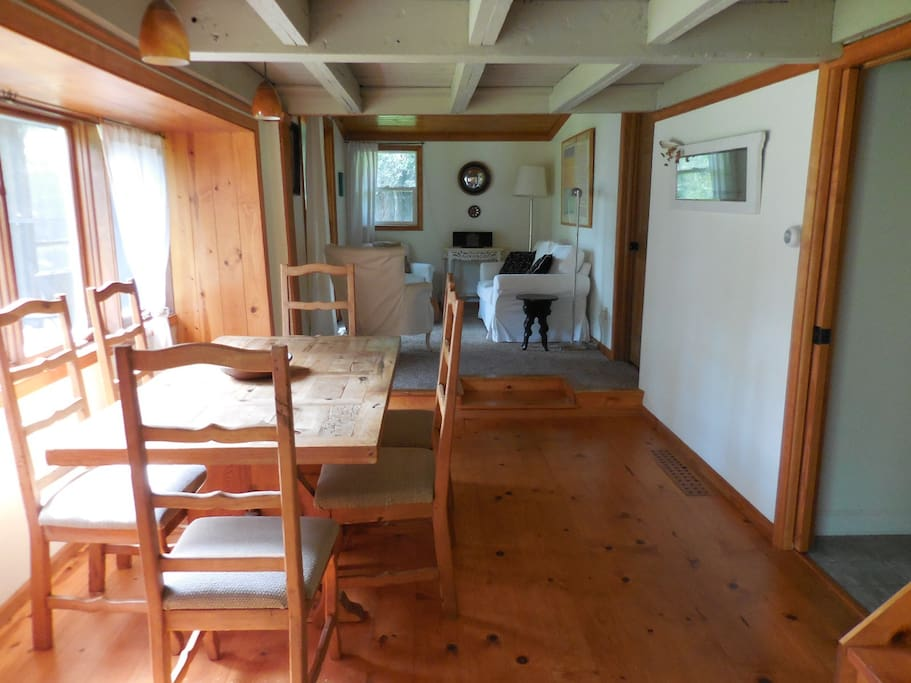 Cottage dining room with seating for six