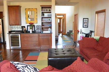 Beautiful & spacious Townhouse - Truckee