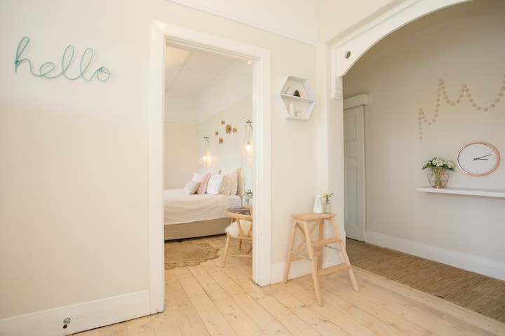 :Malvern east - 3 Bedrooms: - Malvern East - Talo