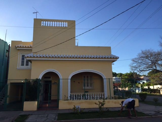 Typical Havana big House  with excellent butler!