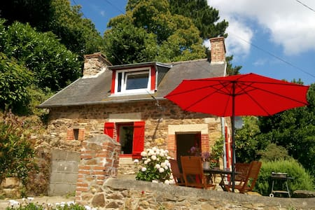 Fishermen's house + pavilion on sea - Lézardrieux