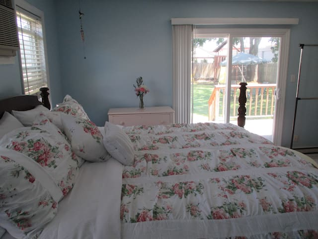 Patchogue Village and Beach Room #3 - Patchogue - Rumah