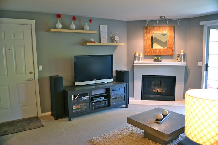 Charming Downtown Kirkland Condo - Apartments for Rent in Kirkland ...