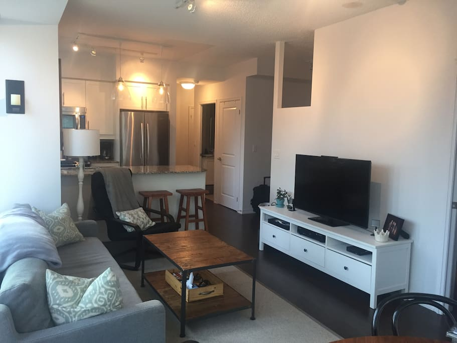 Room With Bathroom For Rent In Toronto